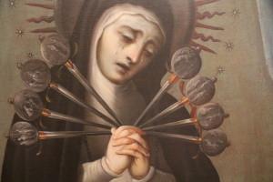 Acompañan a esta pieza dos óleos de la Virgen de los Dolores, de la misma colección, uno anónimo que data de 1775 y otro firmado por José de Ibarra, de 1752. Foto Museo de El Carmen.INAH