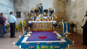 La tradición del Altar de Dolores continúa en los recintos del INAH. Ex convento de Epazoyucan Foto INAH